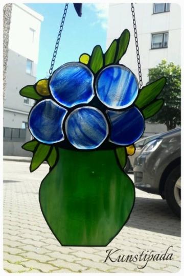 """""""Sinised lilled vaasis"""""""